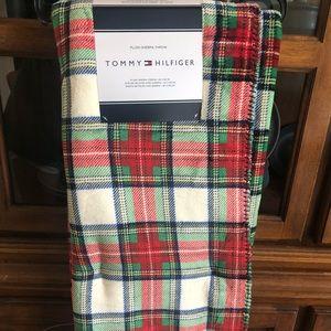 Tommy Hilfiger Plaid Plush Shepra Throw Blanket
